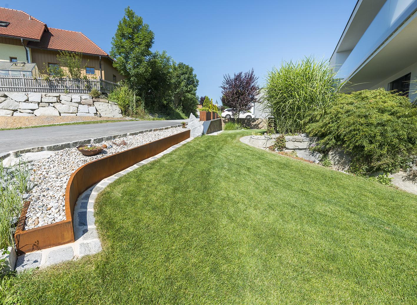 Pflegetipps Rasen Im Fruhjahr Gartenverde